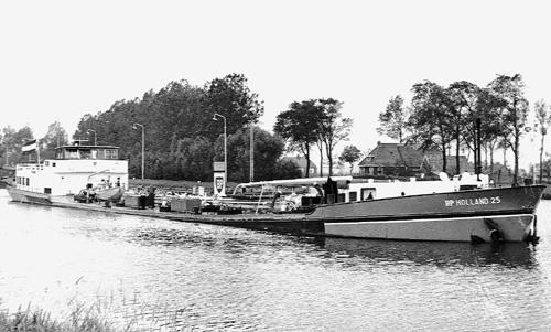 Van groot naar klein water, in dit geval het Van Starkenborghkanaal in Gaarkeuken.