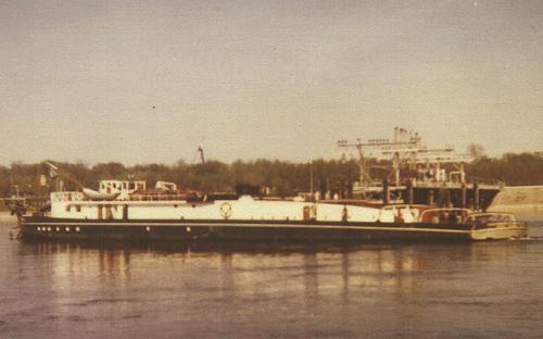 De motorsleepboot INTRITAS I