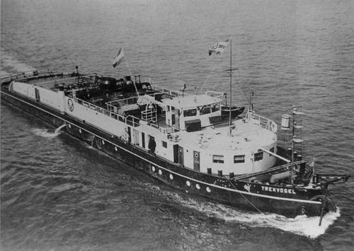 De motorsleepboot TREKVOGEL, hier nog niet voorzien van radar. Archief: Arie Lentjes.