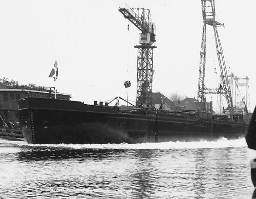 De te water lating van de LUCNIA op 27 oktober 1972.