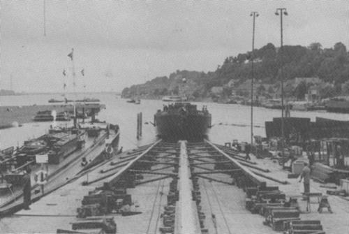 De stapelloop van het motortankschip ALBISIA in de zomer van 1958 bij Hitzler in Lauenburg. Foto: Archief Van Ommeren - met dank.