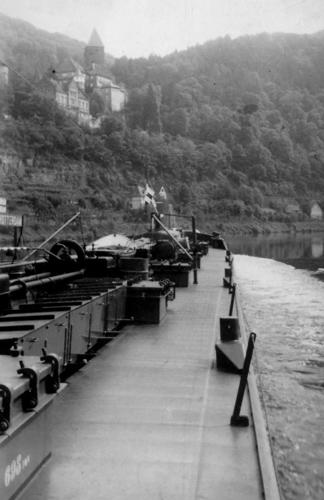 Het motortankschip ALBANIA, varend op de Neckar. Foto: W. Bosman - met dank.