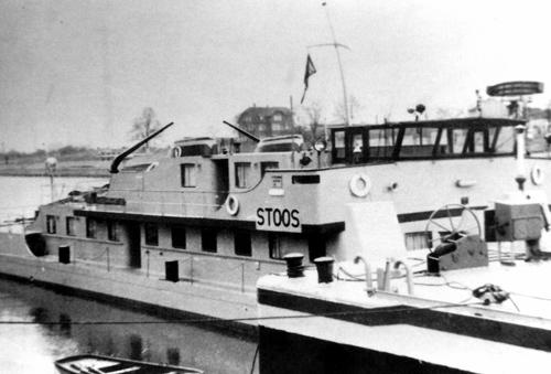 De duwboot STOOS, eens de trots van de Zwitserse Rijnvaart.