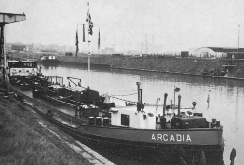 De ARCADIA in de haven van Frankfurt. De Duitse kanalen waren voor dit type schepen een regelmatig terugkerende bestemming. Foto: J. Stigter - met dank.