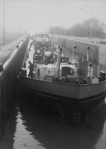 Het motortankschip MYSIA, op de Main.