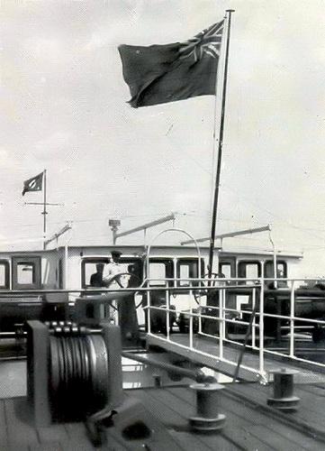 De DANUBE SHELL II, nog altijd onder Engelse vlag, maar wel actief op de Rijn. Foto: Archief Arie Lentjes.