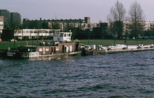 De duwboot BARCA (ex. STORMVOGEL), opvarend ter hoogte Gorinchem. Foto: Teun de Wit - met dank.