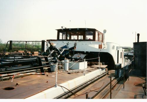 De SARINIA, klaar voor de sloop in mei 1990. Er is al aardig geruimd aan dek.