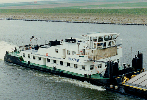 De voormalige STORMVOGEL, nu als BARZABEL op het Schelde-Rijnkanaal in het voorjaar van 1984. Foto: Leo Schuitemaker - met dank.