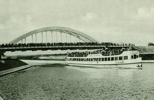 De feestelijke opening van het Twenthe-Rijnkanaal in 1936.